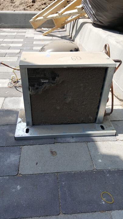 Замена компрессора на кондитерской холодильной витрине